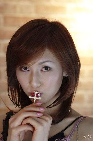 Toshi054